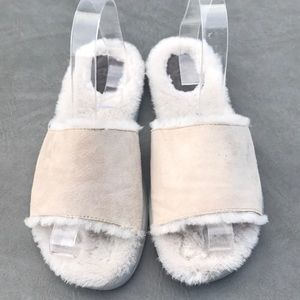Ugg sheepskin lined suede sandals in excellent